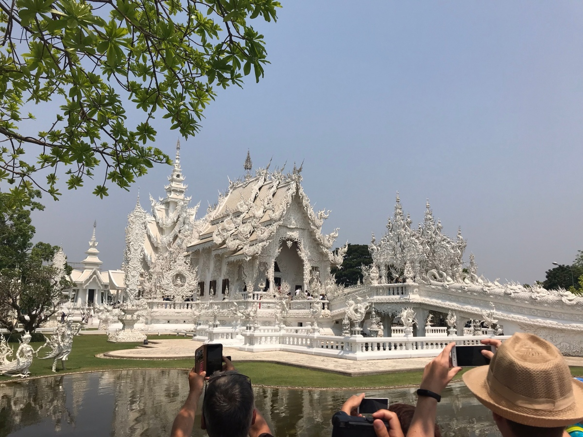 Stunning Chiang Rai, Thailand! White and Blue Temples and BAANDAMMuseum!