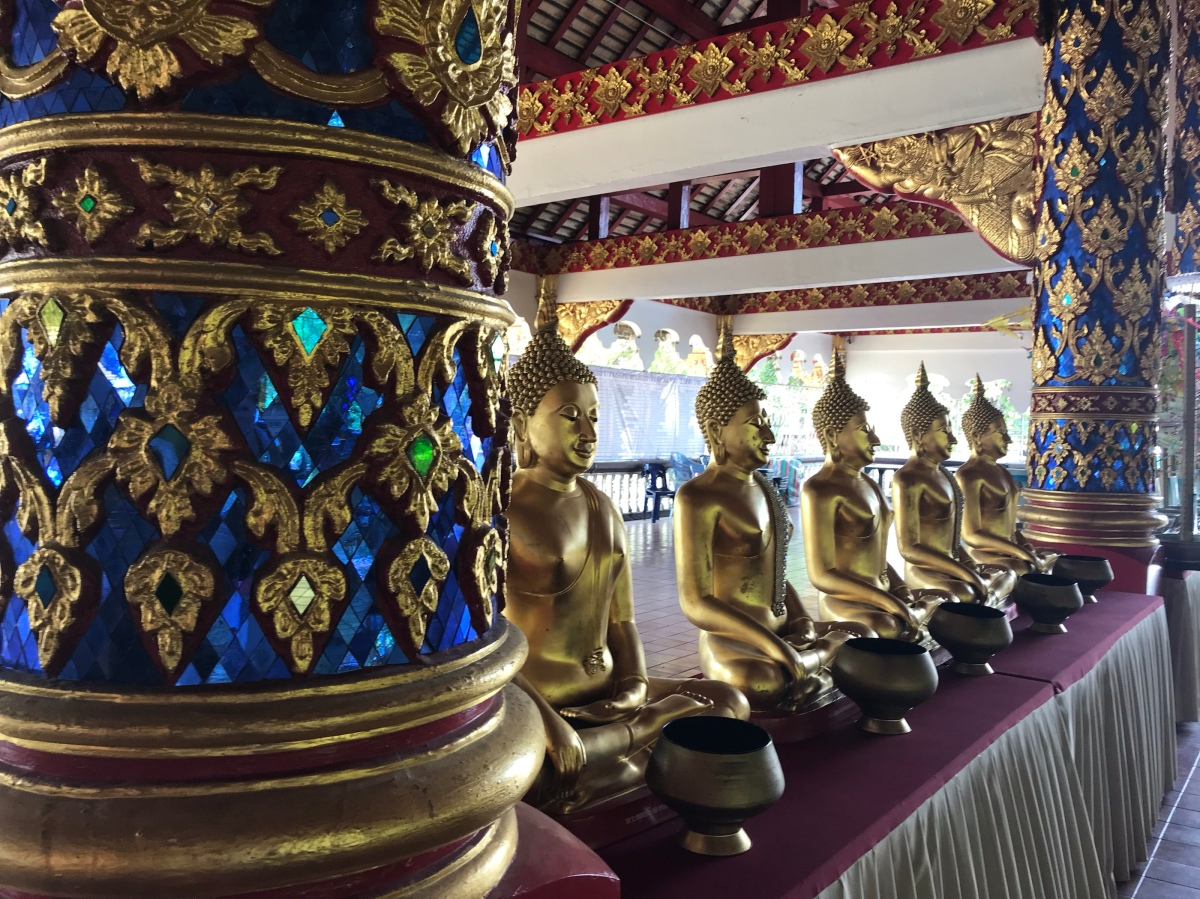 Chiang Mai —Vegetarian Breakie, Exploring Wats (BuddhistTemples).