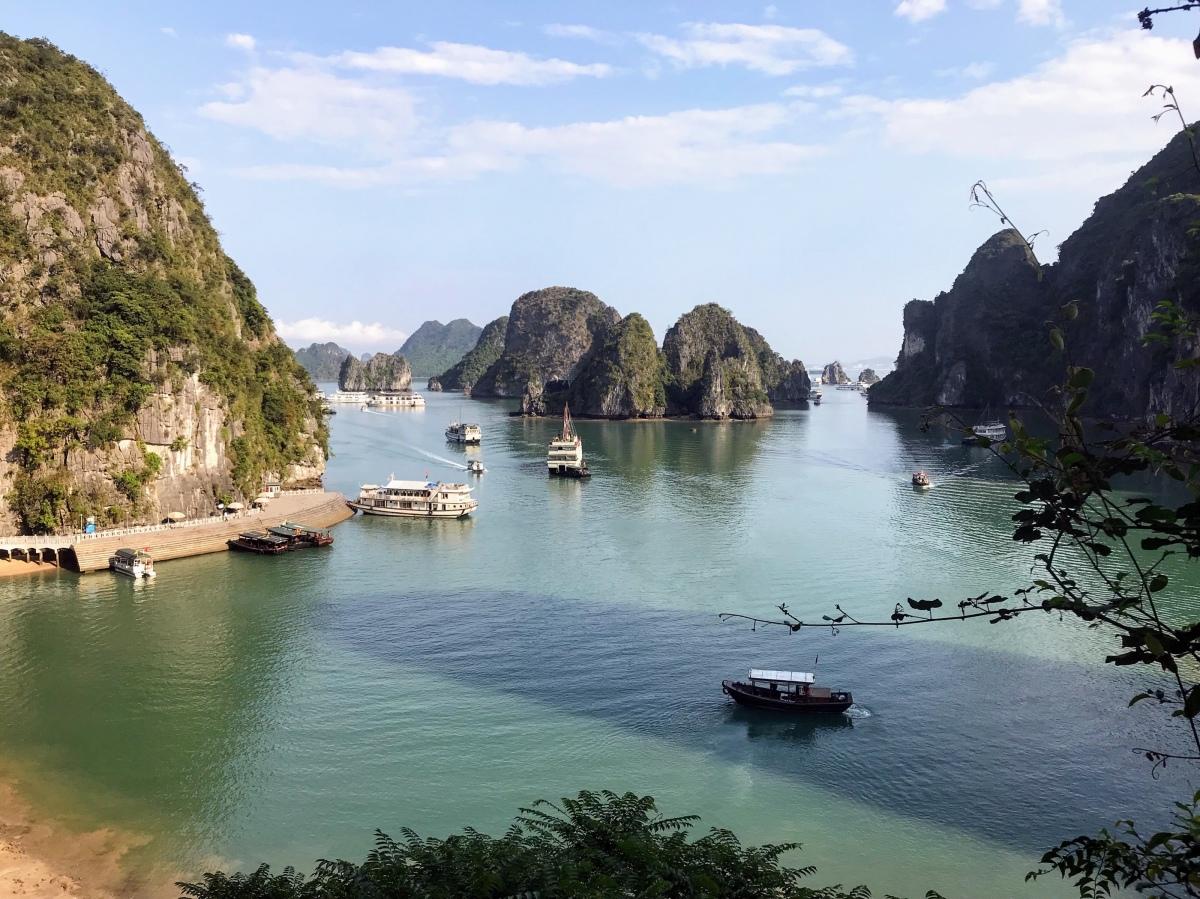 Hanoi to Ha Long Bay–Minibus to Junk in NorthernVietnam!