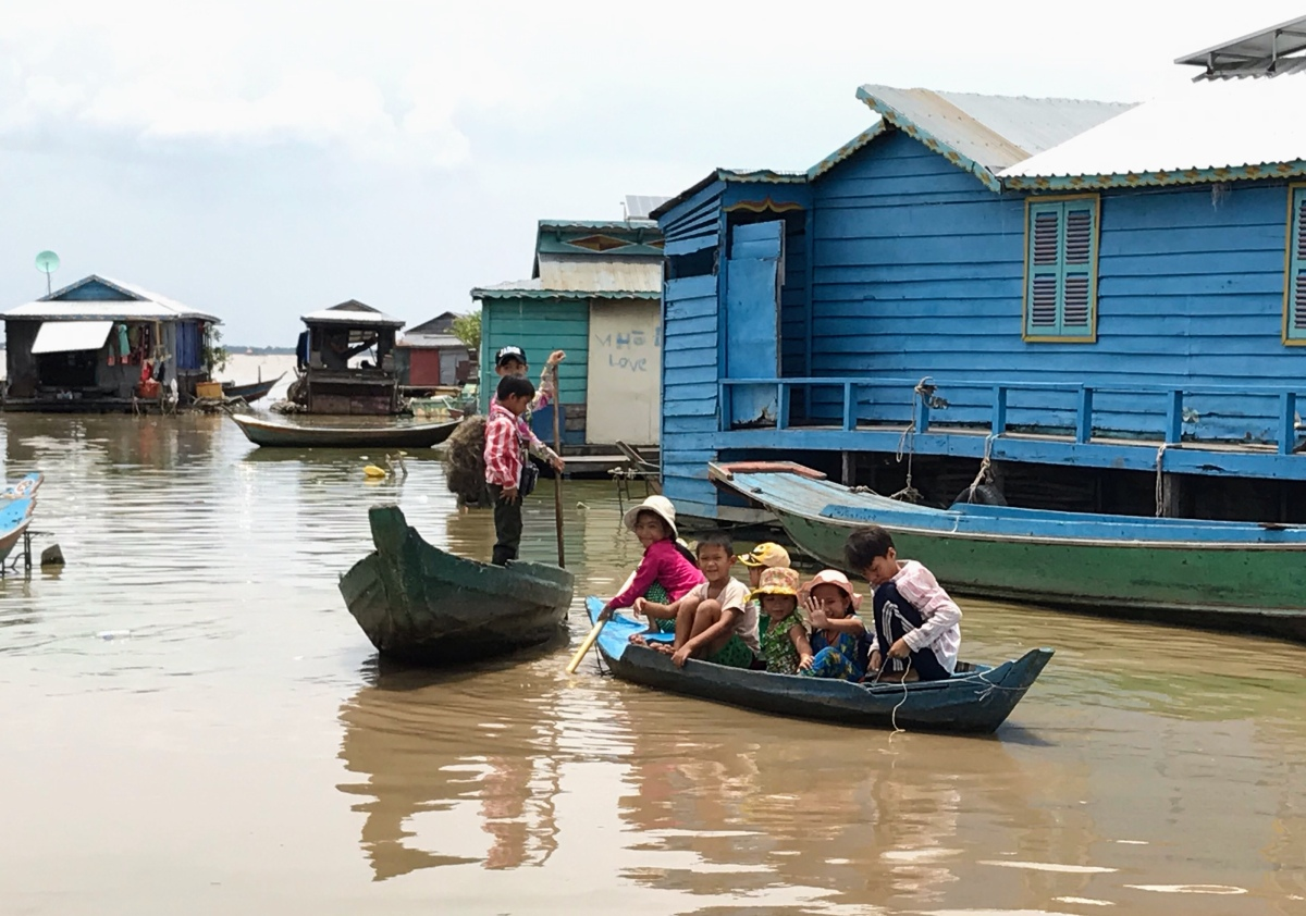 Life in a floating village–Kampong Luong, Cambodia! Then Exploring Battambang.